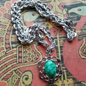 Sarah Coventry green glass necklace silver tone